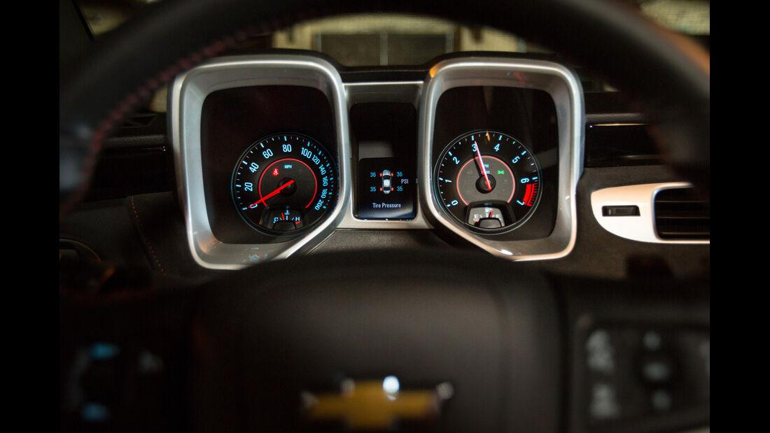 Chevrolet Camaro ZL1 Cabrio, Rundinstrumente
