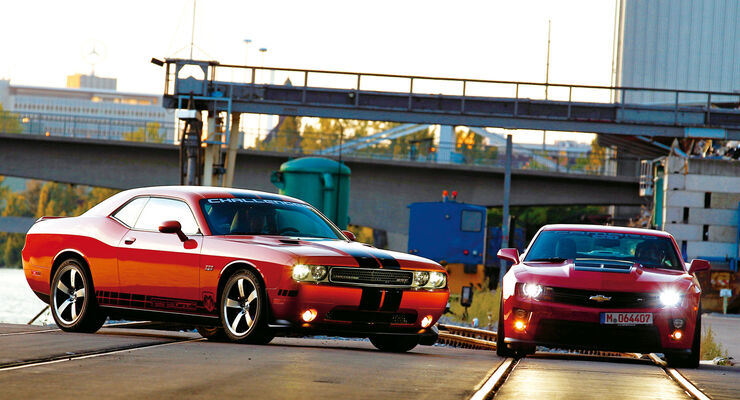 Chevrolet Camaro ZL1, Dodge Challenger SRT8 392, Frontansicht