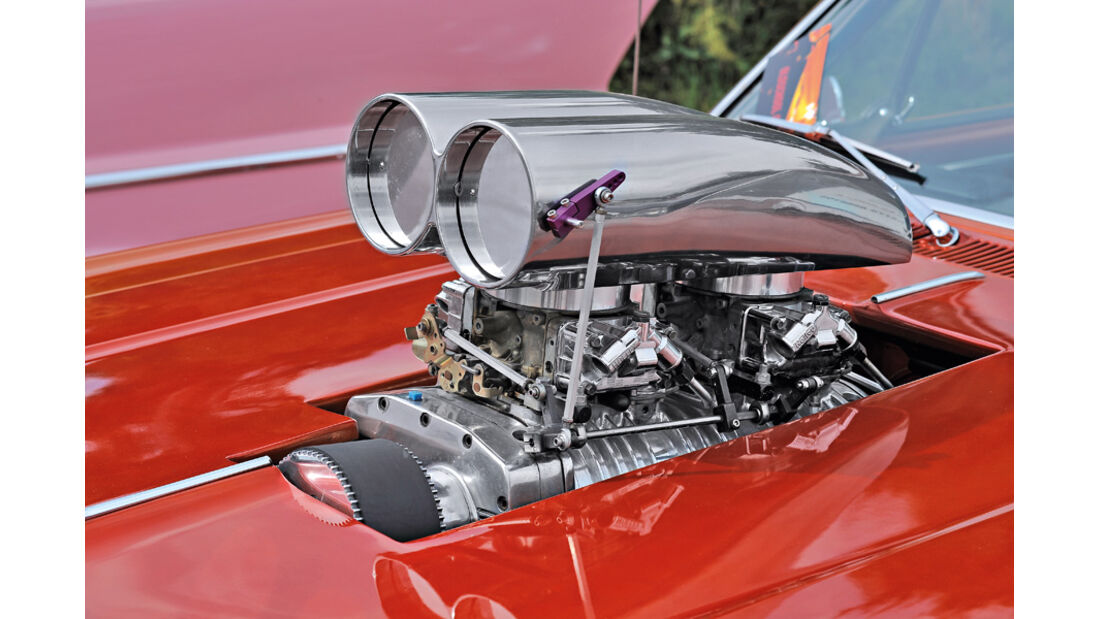Chevrolet Cheville War, Motorblock, Motorhaube