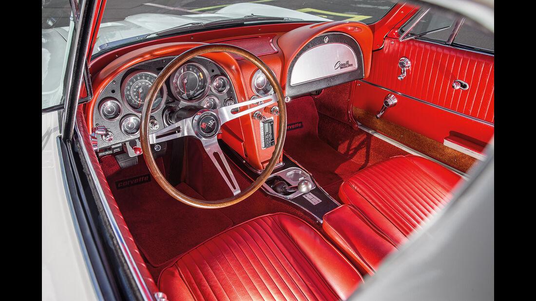 Chevrolet Corvette C2 (1964), Cockpit
