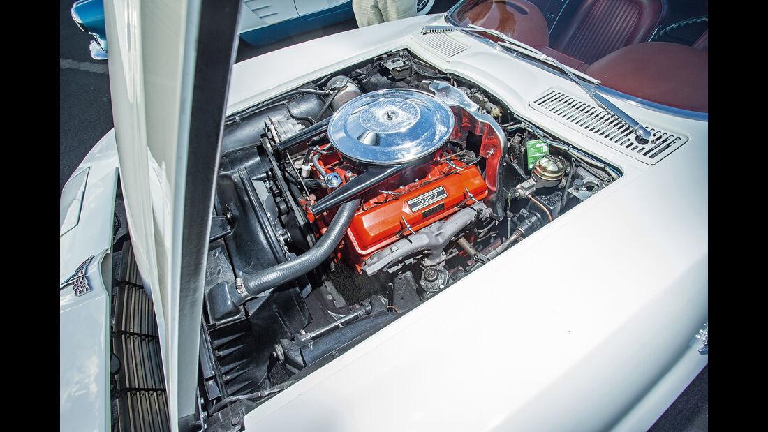 Chevrolet Corvette C2 (1964), Motor