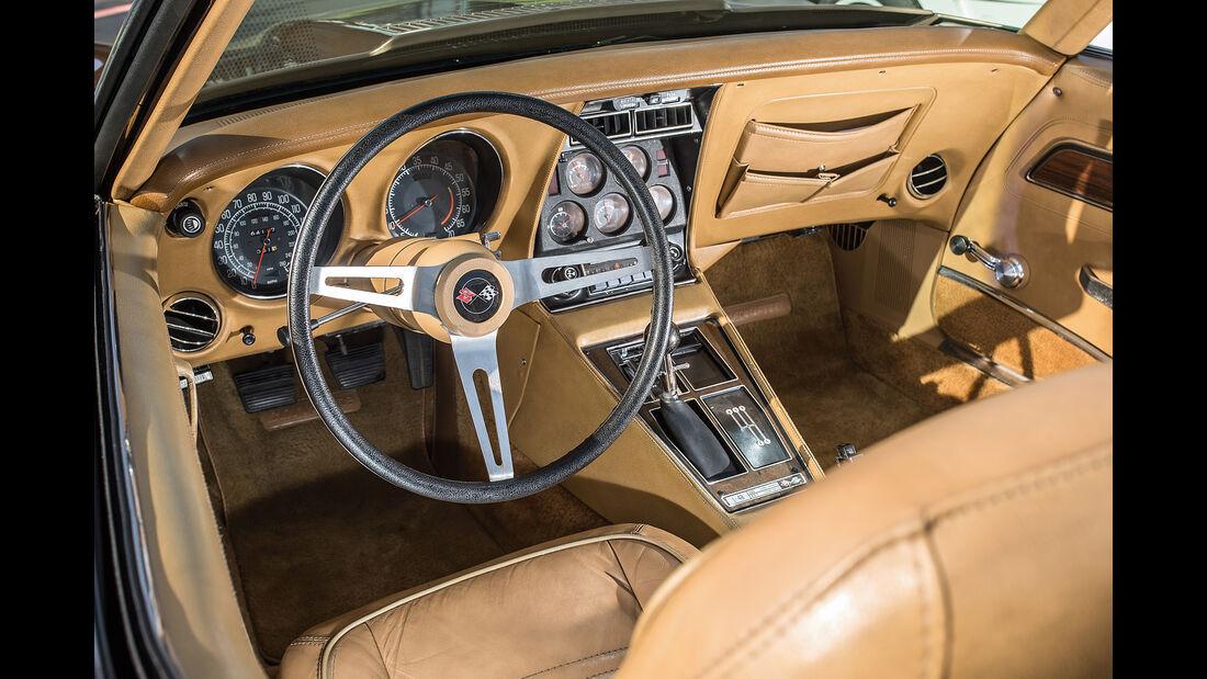 Chevrolet Corvette C3 (1975), Cockpit