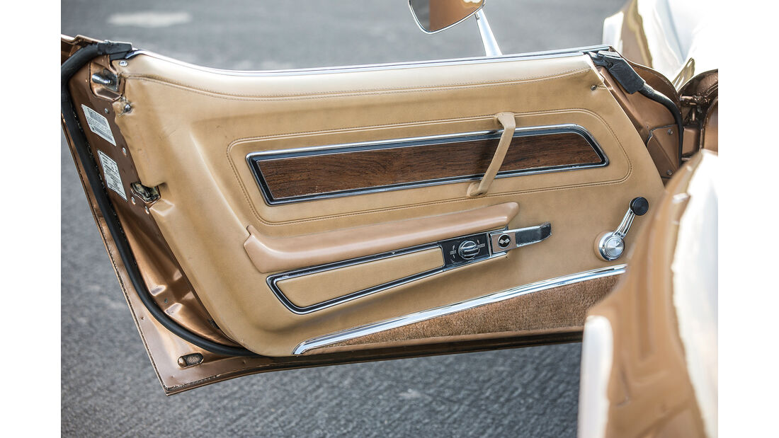 Chevrolet Corvette C3 (1975), Seitentür