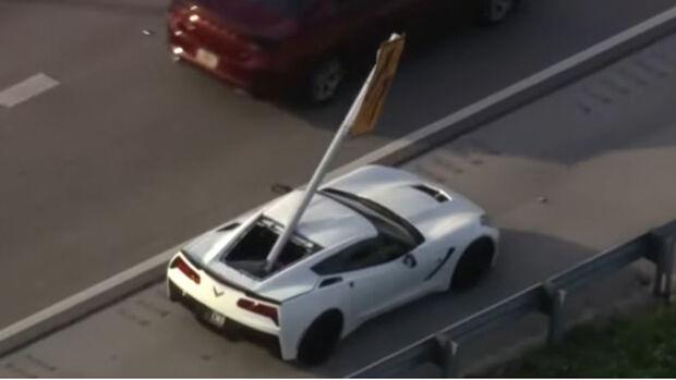 Chevrolet Corvette C7 Verkehrsschild-Unfall, Florida