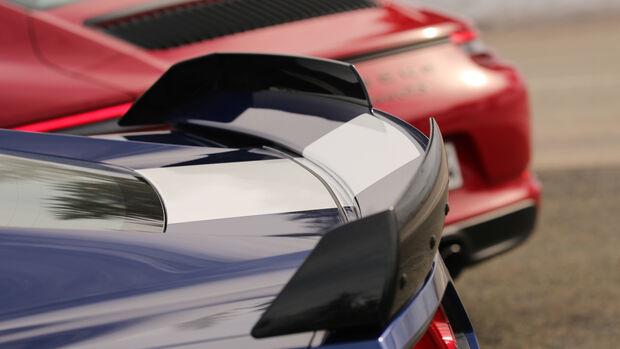 Chevrolet Corvette Grand Sport, Porsche 911 Carrera GTS, Heck