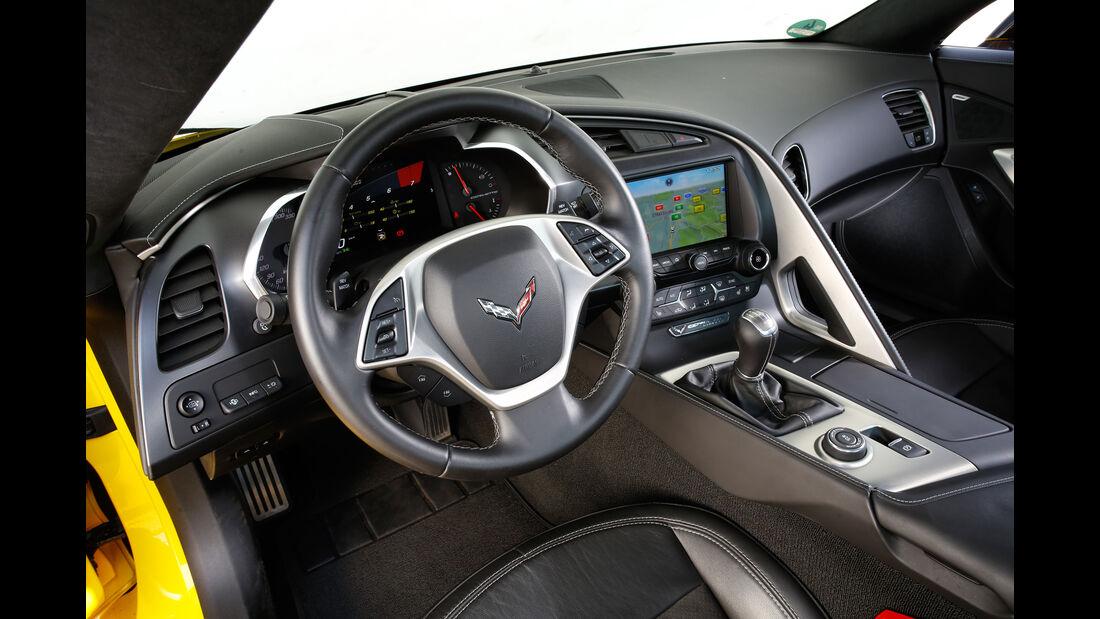 Chevrolet Corvette Stingray, Cockpit