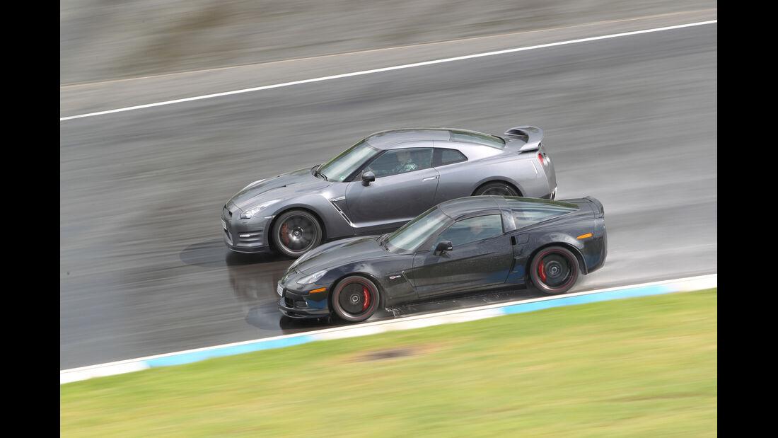 Chevrolet Corvette Z06, Nissan GT-R, Seitenansicht