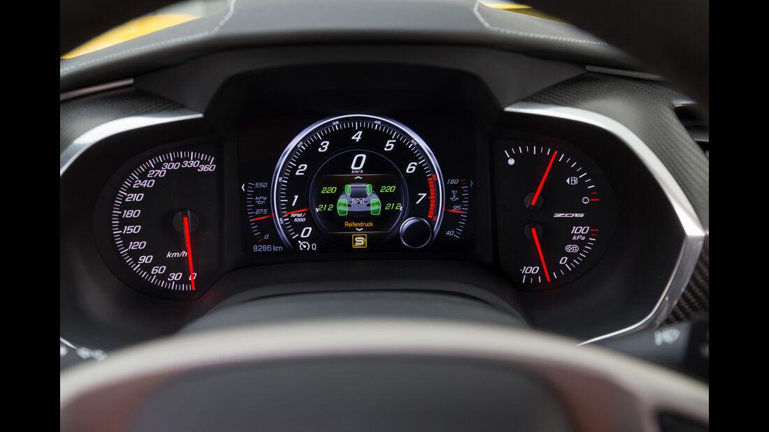Chevrolet Corvette Z06, Rundinstrumente