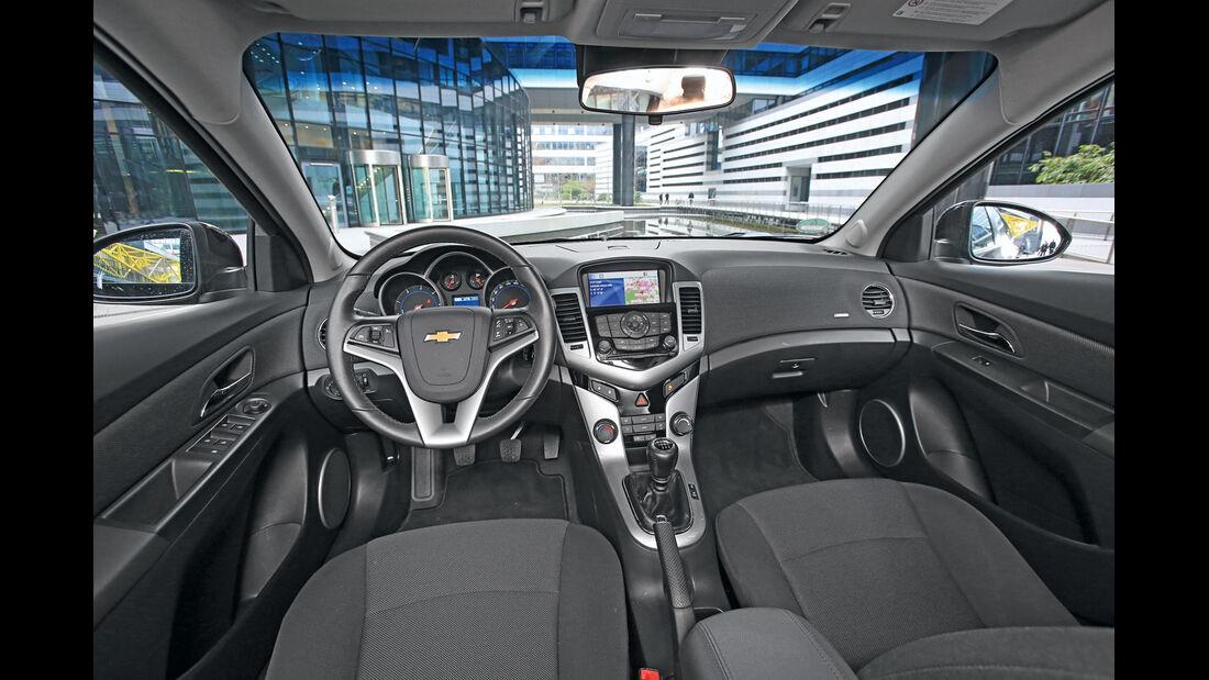 Chevrolet Cruze 1.7 D SW LT+, Cockpit, Lenkrad
