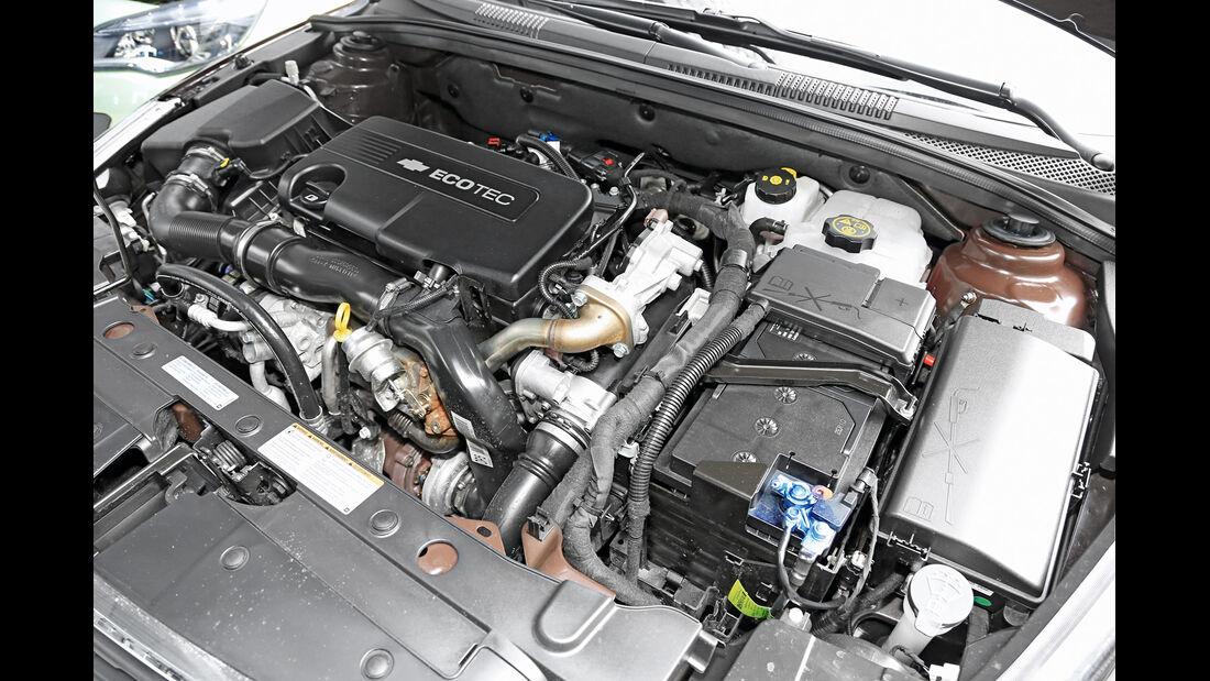 Chevrolet Cruze 1.7 D SW LT+, Motor