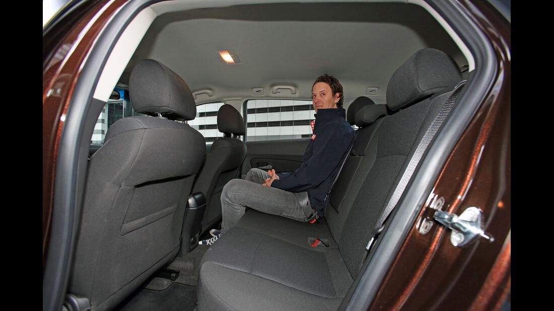 Chevrolet Cruze 1.7 D SW LT+, Rücksitz, Beinfreiheit
