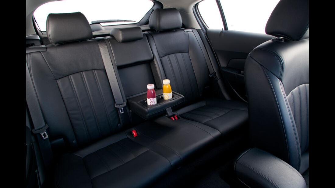 Chevrolet Cruze 2.0 LTZ, Fond