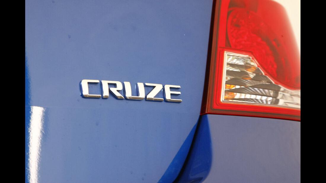 Chevrolet Cruze 2.0 LTZ, Typenbezeichnung, Emblem
