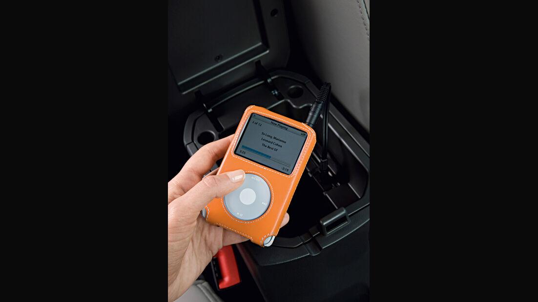 Chevrolet Cruze 2.0 LTZ, iPod