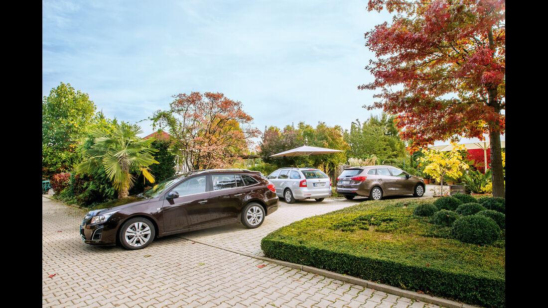 Chevrolet Cruze SW, Kia Ceed SW, Skoda Octavia Kombi, Gruppenbild