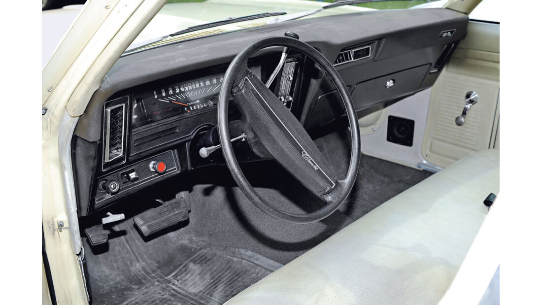 Chevrolet Nova, Lenkrad, Cockpit