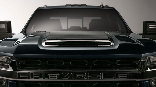 Chevrolet Silverado HD Teaser