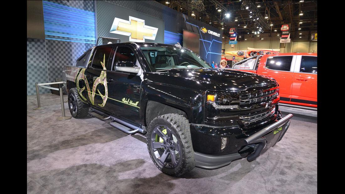 Chevrolet Silverado Realtree Bone Collector - SEMA 2015 - Las Vegas