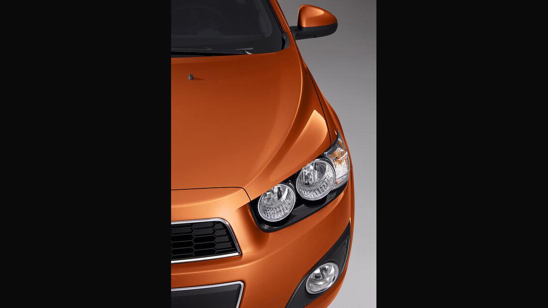 Chevrolet Sonic, Fünftürer, Scheinwerfer, Spiegel