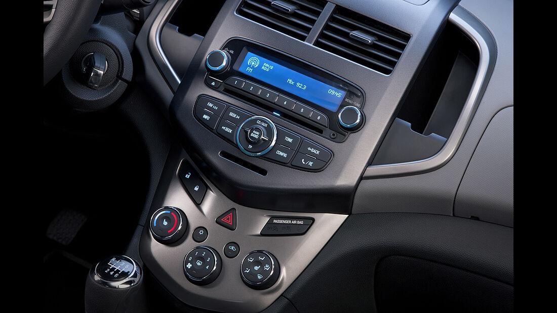 Chevrolet Sonic, Innenraum, Cockpit, Armaturenbrett