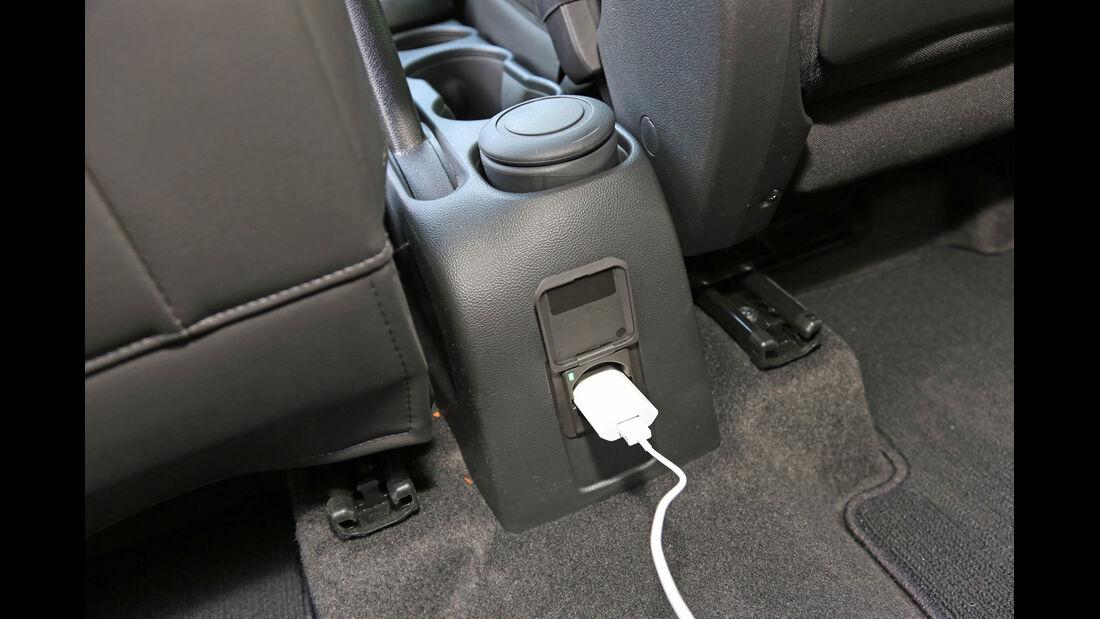 Chevrolet Trax 1.7 D FW LT, Anschluss