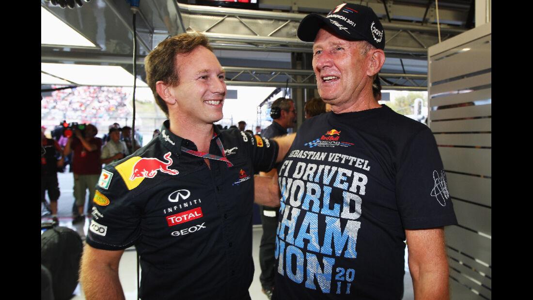 Christian Horner - Helmut Marko  - Formel 1 - GP Japan - 9. Oktober 2011