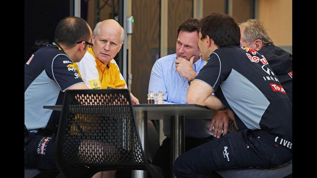 Christian Horner - Red Bull - Formel 1 - Bahrain - Test - 19. Februar 2014