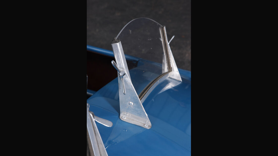 Cisitalia 202 SMM Nuvolari Spider, Frontscheibe