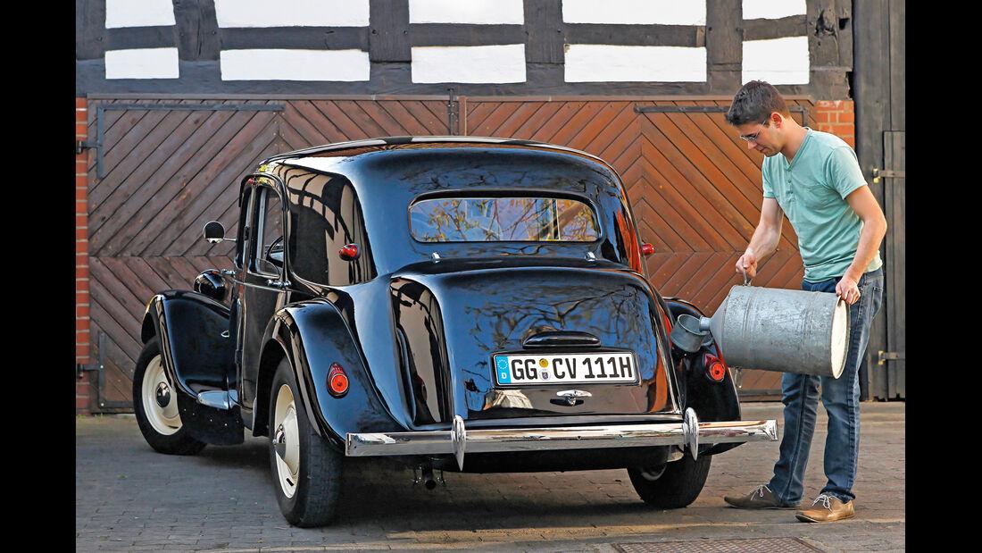Citroën 11 CV Typ B, Heckansicht