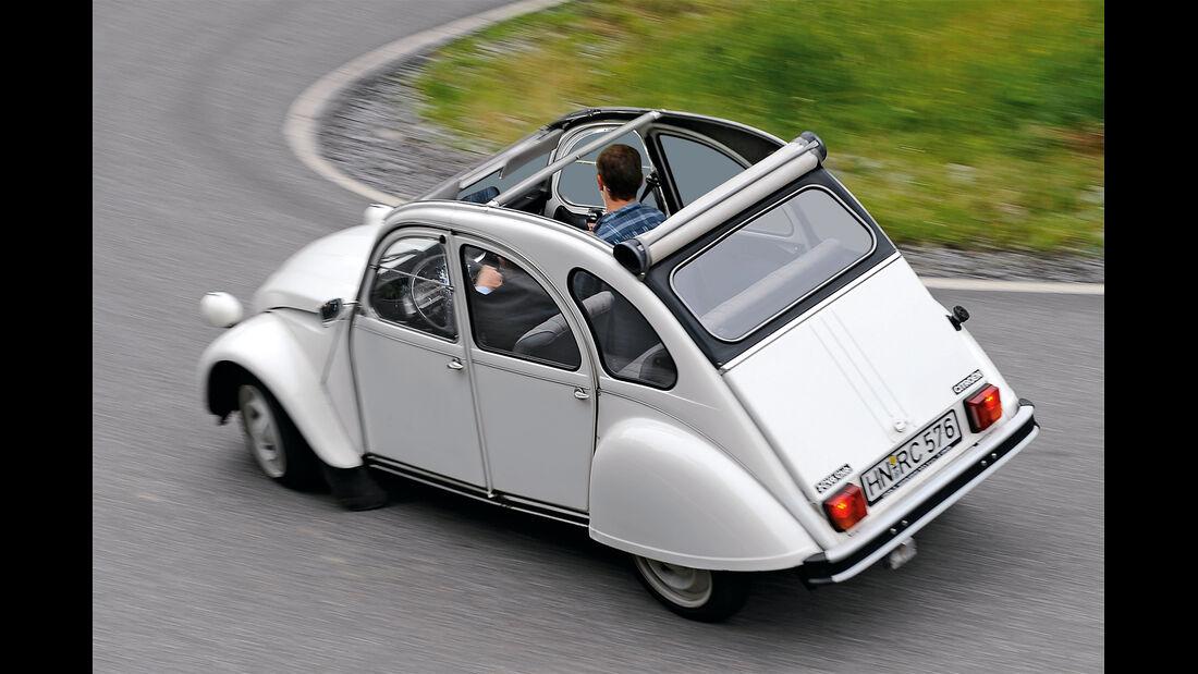 Citroën 2 CV 6, Heckansicht
