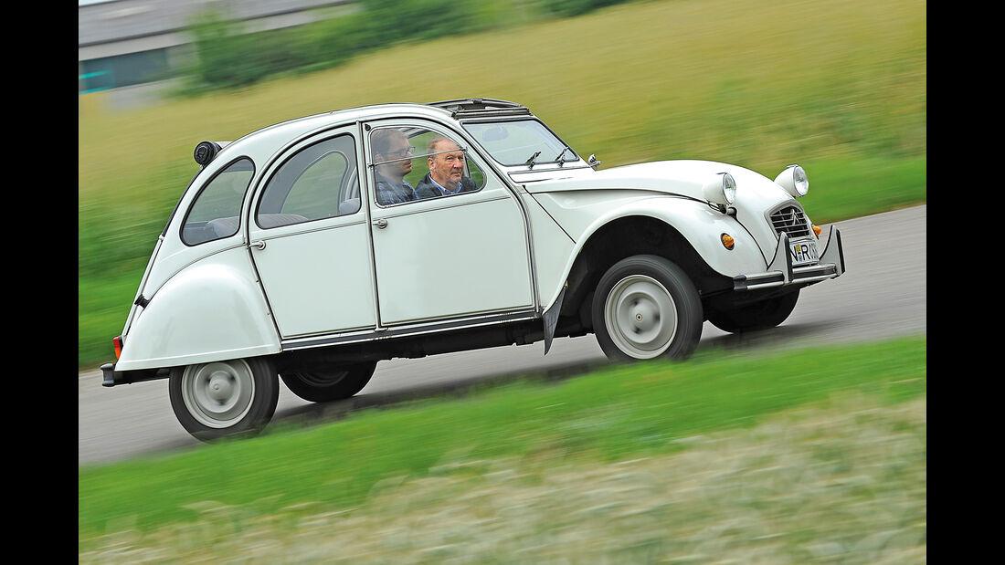 Citroën 2CV, Seitenansicht