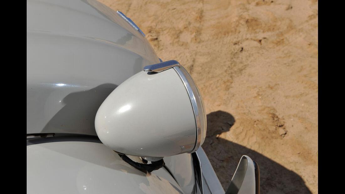 Citroën AK 350, Frontscheinwerfer