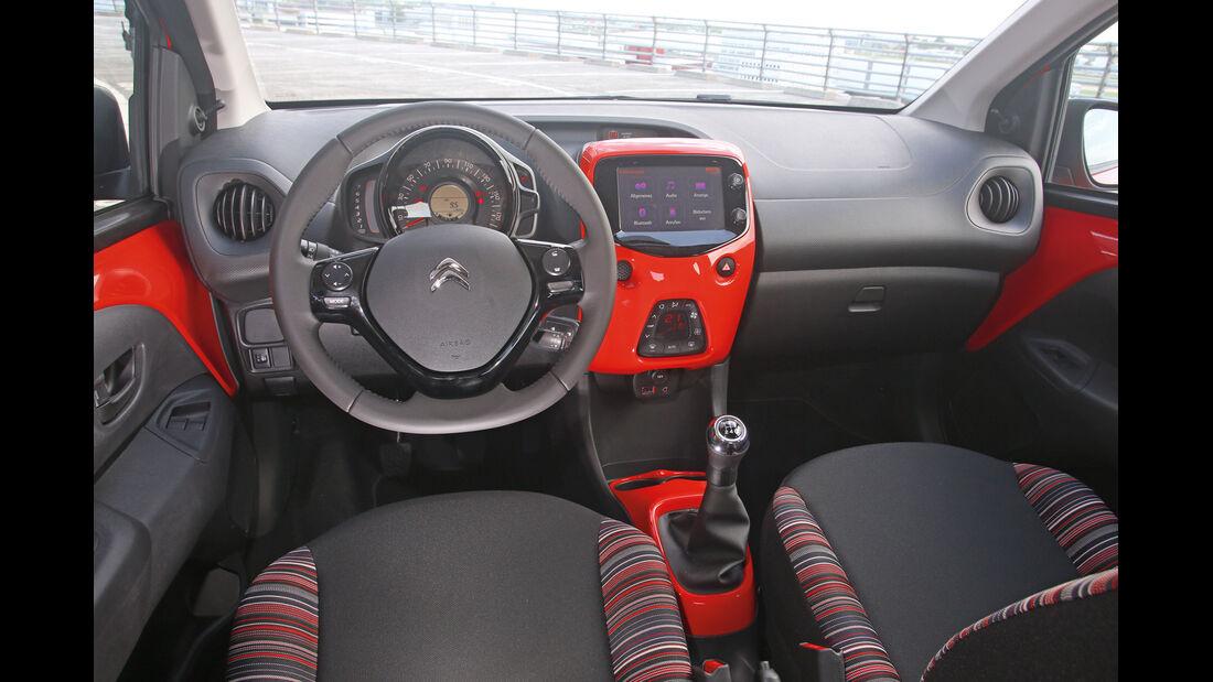 Citroën C1 Airscape VTi 82, Cockpit