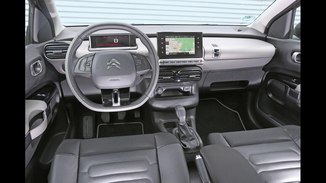 Citroën C4 Cactus e-VTI 82, Cockpit