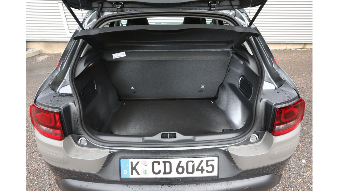 Citroën C4 Cactus e-VTI 82, Kofferraum