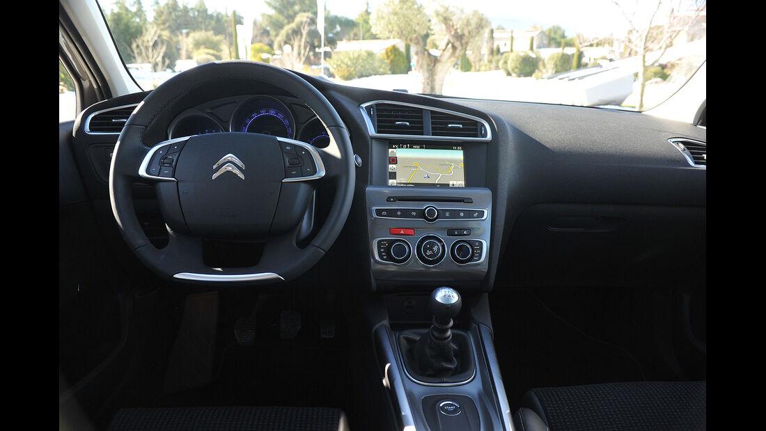Citroën C4, Innenraum, Cockpit