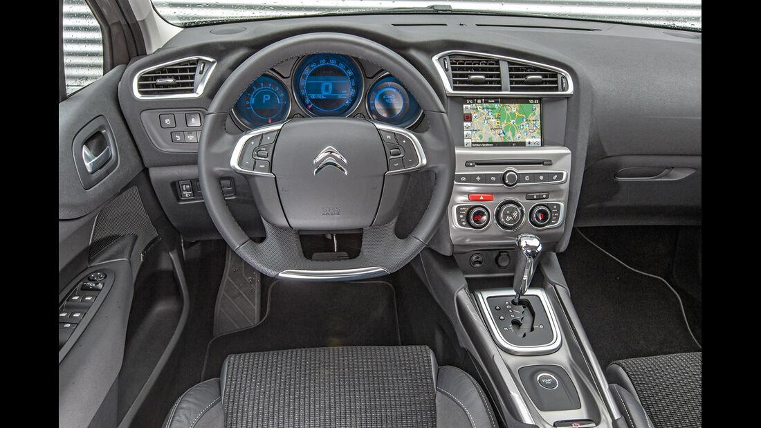 Citroën C4 Puretech 130, Cockpit