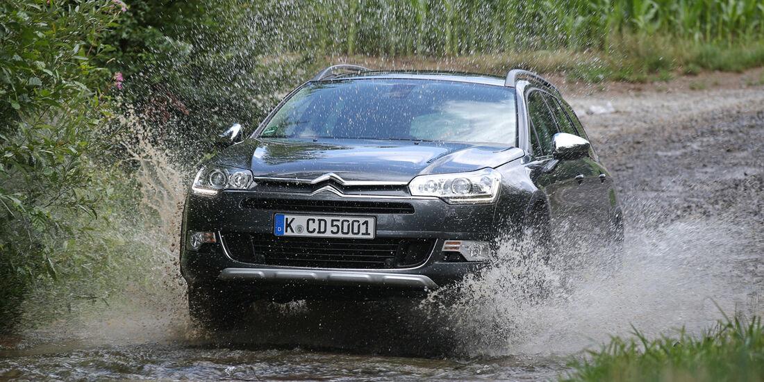 Citroën C5 Crosstourer HDi 165, Frontansicht, Wasserdurchfahrt