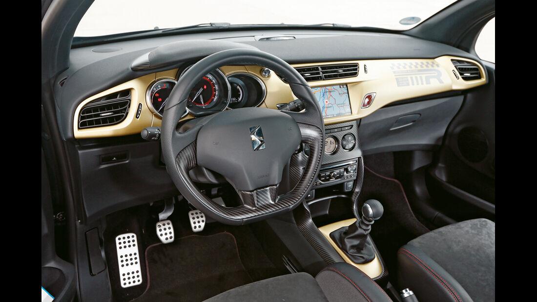 Citroën DS3 Racing Edition 2013, Cockpit