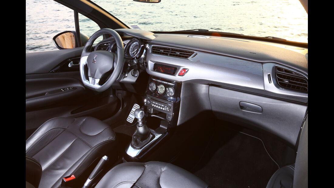 Citroën DS3 THP 155 Cabrio SportChic, Cockpit, Lenkrad