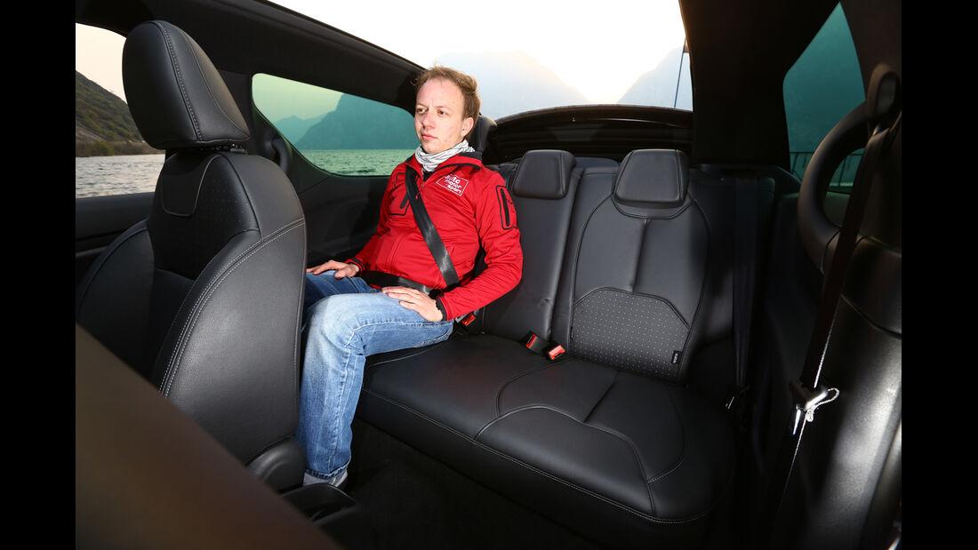 Citroën DS3 THP 155 Cabrio SportChic, Rücksitz, Beinfreiheit
