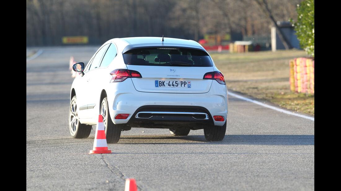Citroën DS4, Heckansicht, Slalom