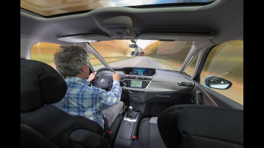 Citroën Grand C4 Picasso e-HDi 115 Intensive, Cockpit, Fahrersicht