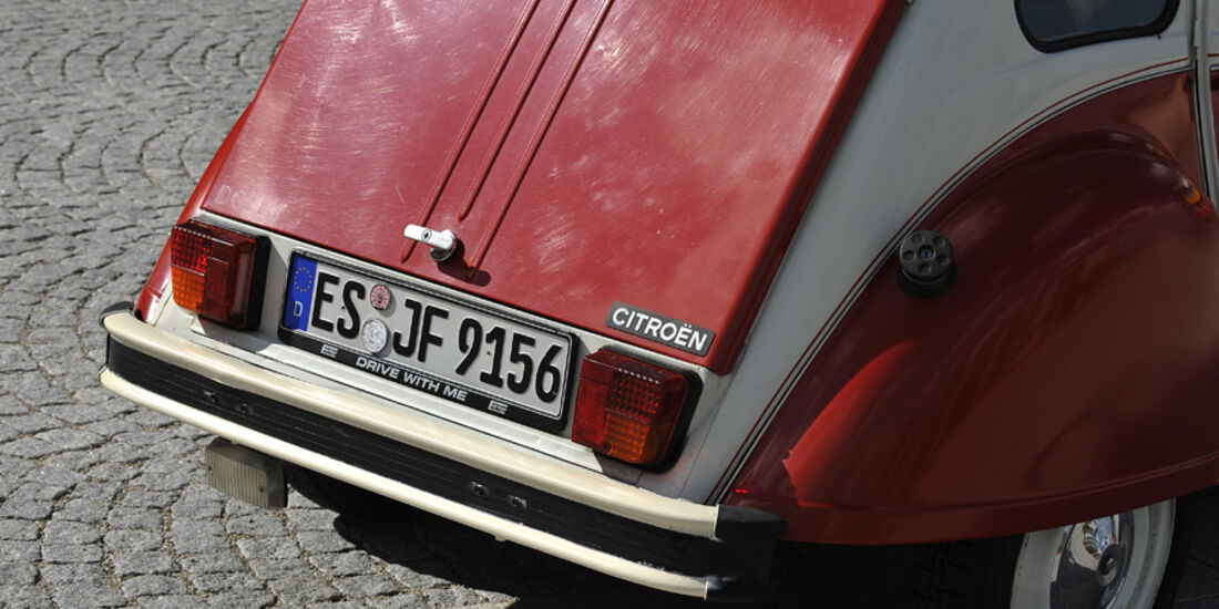 Citroen 2 CV 6, Heck