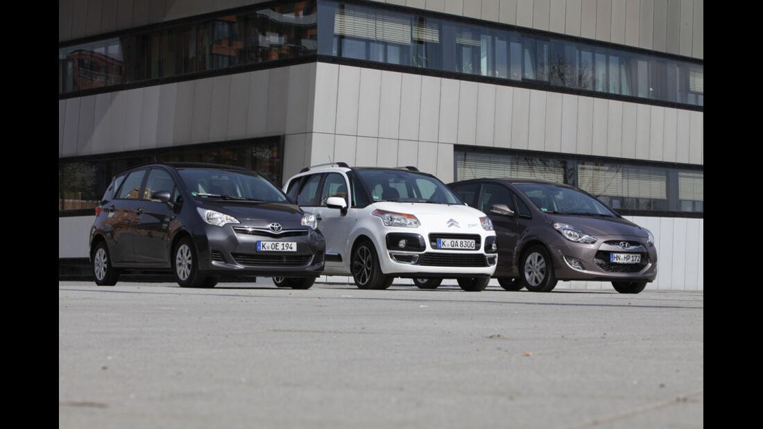 Citroen C3 Picasso Hdi 90, Hyundai ix20 Blue 1.4 CRDi, Toyota Verso-S 1.4 D-4D, Gruppe, Frontansicht