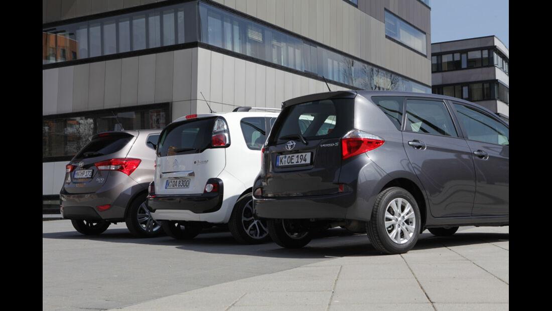 Citroen C3 Picasso Hdi 90, Hyundai ix20 Blue 1.4 CRDi, Toyota Verso-S 1.4 D-4D, Gruppe, Rückansicht