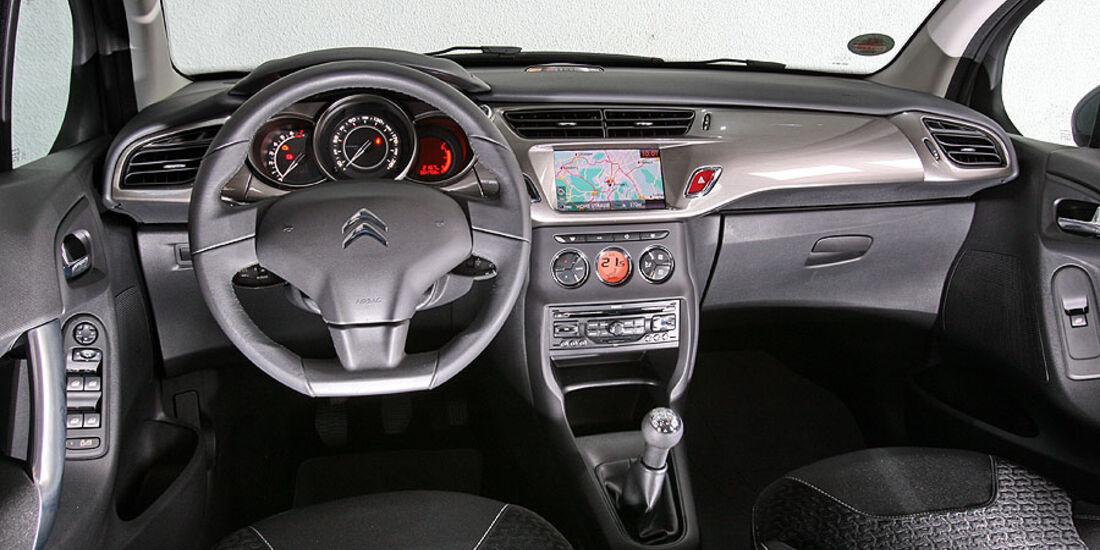 Citroen C3 VTI 95, Renault Clio TCE 100