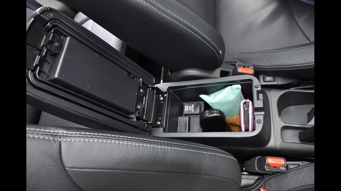 Citroen C4 Aircross, Innenraum-Check, Ablagen Staufächer