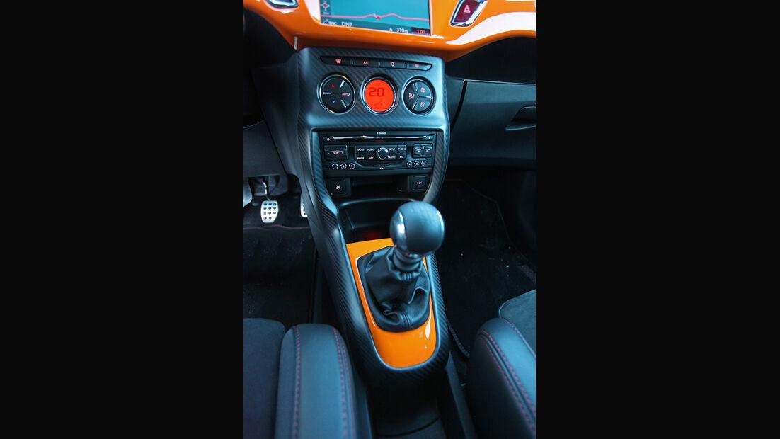 Citroen DS3 Racing, Schaltung, Cockpit