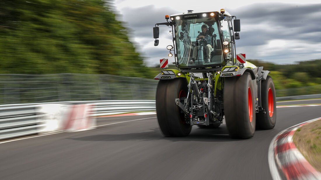 Claas Xerion 5000 Traktor Nordschleife